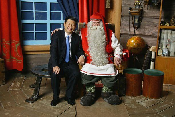 Suuret johtajat. Xi on käynyt joulupukin luona, joten miksen minäkin, Kiinassa ajatellaan.