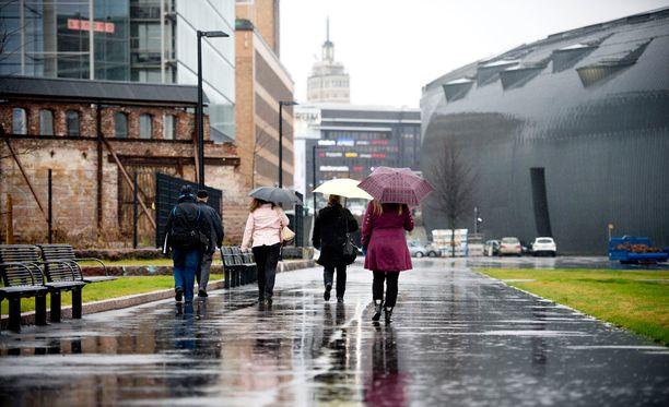 Idässä ja Uudellamaalla voi sataa torstaina enimmillään 20 millimetriä vettä. Arkistokuva.