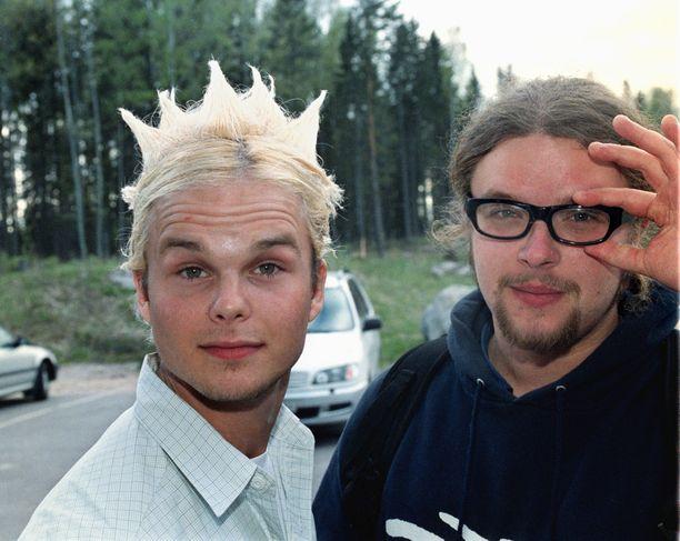 The Rasmuksen Lauri ja Pauli Helsinge Vantaa 650 vuotta -konsertissa Myyrmäellä vuonna 2001.