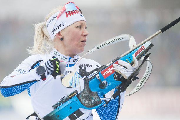 Kaisa Mäkäräinen on neljän tuoreimman maailmancupin henkilökohtaisen kilpailun aikana ampunut 35 pystylaukausta, joista 13 on ollut huteja.