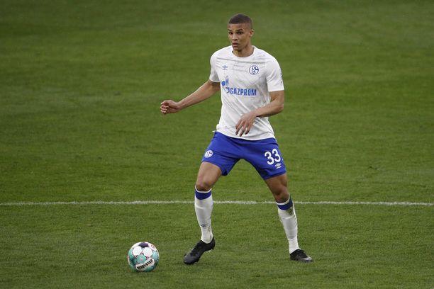 Topparin paikalla pelaava Malick Thiaw on noussut Schalken vakiokalustoon viime otteluissa.