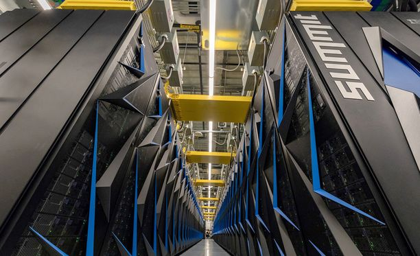 Summit on massiivinen tietokone.