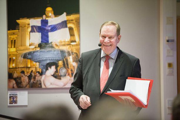 Entinen pääministeri Paavo Lipponen.