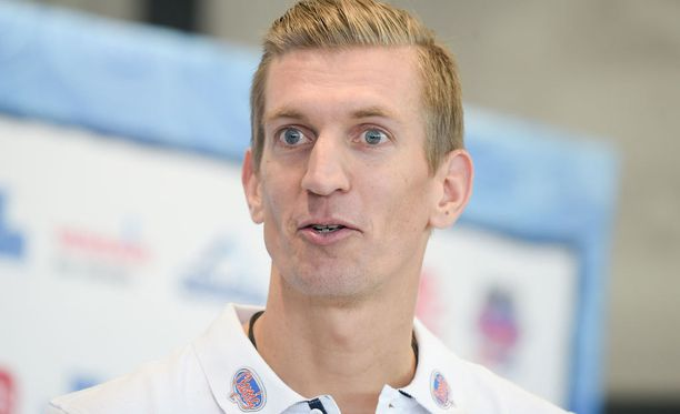 Jarkko Nieminen palasi tenniksen pariin.
