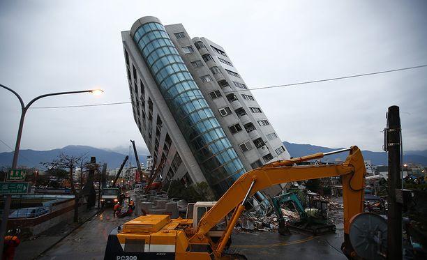 Useat rakennukset kärsivät vaurioita suositussa turistikaupungissa Hualienissa tiistaisessa järistyksessä.