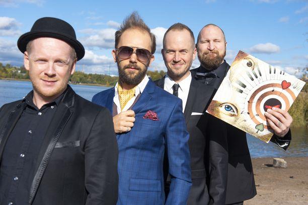 Ricky-Tick Big Band & Julkinen Sanan tuoretta levyä esittelevät Redrama (vas.), Valtteri Pöyhönen, Tommy Lindgren ja Paleface.