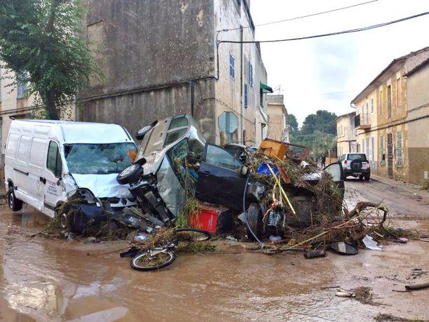 Tulvat ja sateet aiheuttivat isoja tuhoja Mallorcan saarella.