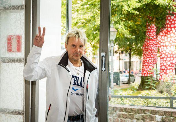 Matti Nykänen saapui Kai Merilän kirjan julkistamistilaisuuteen.