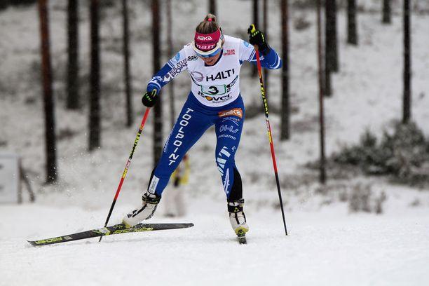 Riitta-Liisa Roponen palasi laduille viime kauden selkävaivojen jälkeen.
