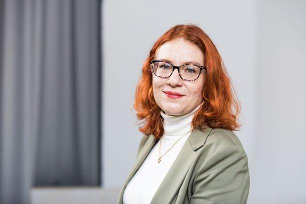 Palvelualojen ammattiliitto Pamin puheenjohtaja Annika Rönni-Sällinen vaatii Hesburgerilta vastauksia, miten työntekijät voivat vaikuttaa ongelmien korjaamiseen jatkossa.