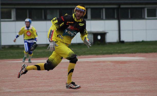 Lännen ja Pattijoen lukkari Topi Kosonen valittiin ottelun parhaana pelaajana.