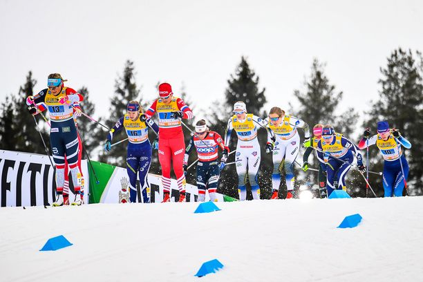 Naisten sprintissä vuonna 2019 laduilla riitti lunta.