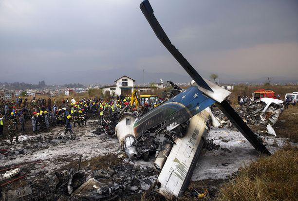 US-Bangla-yhtiön koneen laskeutuminen epäonnistui ja 51 ihmistä kuoli.