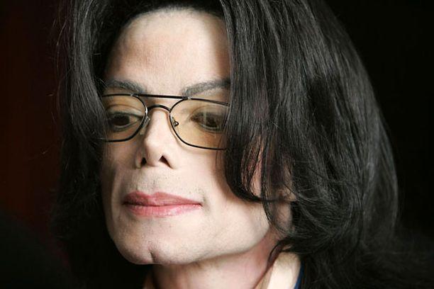 Sony on myynyt noin 31 miljoonaa Jacksonin albumia pop-tähden kuoleman jälkeen.