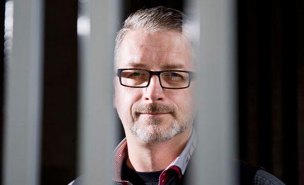 Marko Kilpi on poliisi ja palkittu dekkarikirjailija.