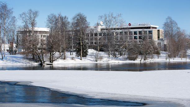 Hotelli Kimmel valmistui vuonna Pielisjoen rannalle vuonna 1977.