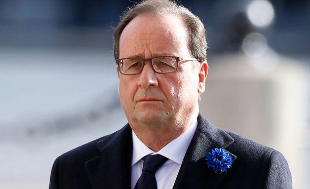 Francois Hollande on alkanut järeisiin toimiin terrori-iskujen takia.