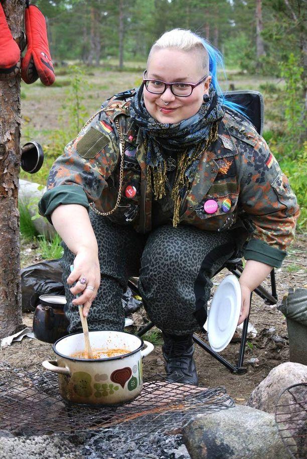 Ruoka ei ole yksinäisellä leirintäalueella ongelma, kun välineet ovat kunnossa.