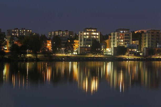 Syksyisen Oulun valoja.