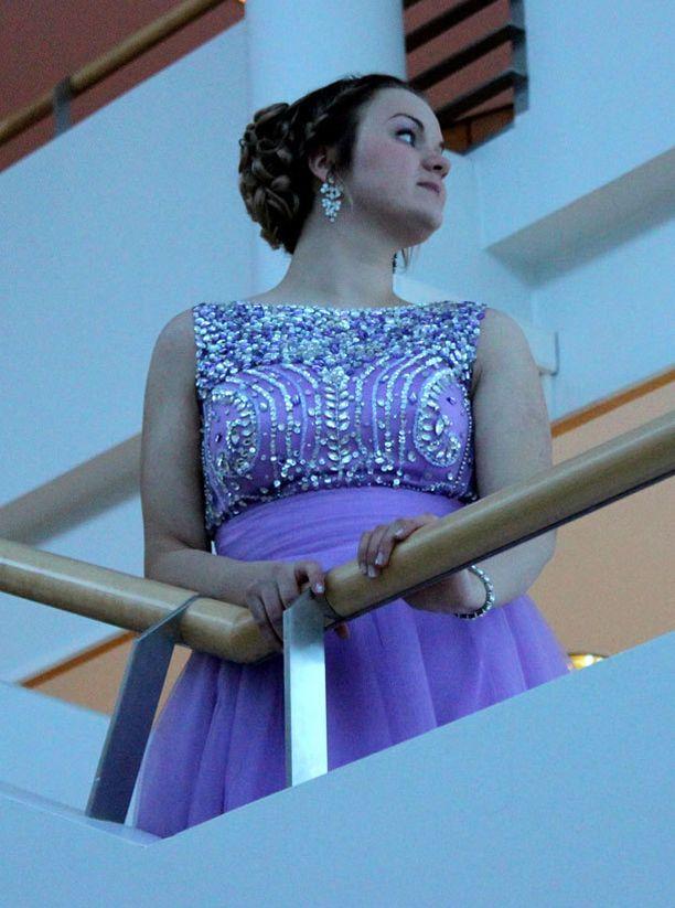Elizan mekon paksut olkaimet tekivät tanssimisesta helpompaa.