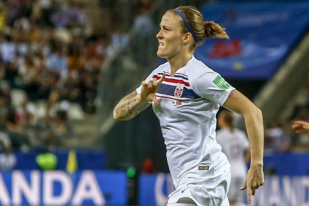 Isabell Herlovsen on ollut kahdella osumallaan Norjan paras maalintekijä MM-kisoissa.