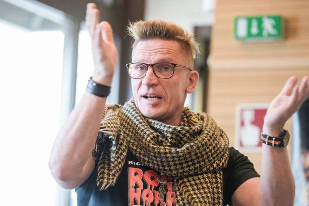 Sami Saikkonen on Rocky Horror Show-musikaalista innoissaan.