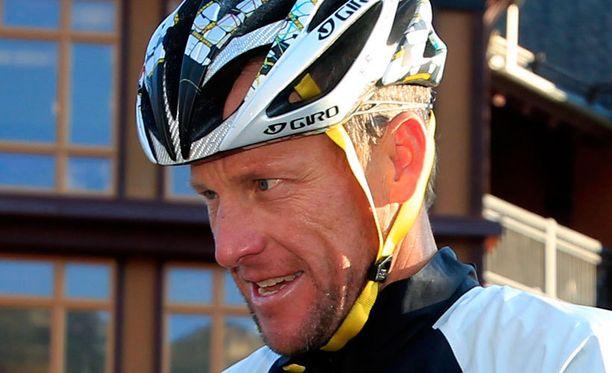 Lance Armstrongista tulvii jatkuvasti lisää d-aiheisia paljastuksia.