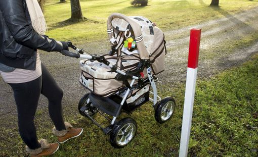 THL:n tutkimuksen mukaan hoivaihanteilla on merkitystä perheiden valinnoissa äidin työmarkkina-aseman ja koulutustaustan ohella: kaksivuotiasta kuopusta hoitavat kotona todennäköisemmin äidit, jotka ajattelevat, että pienten lasten äitien kuuluu olla kotona.