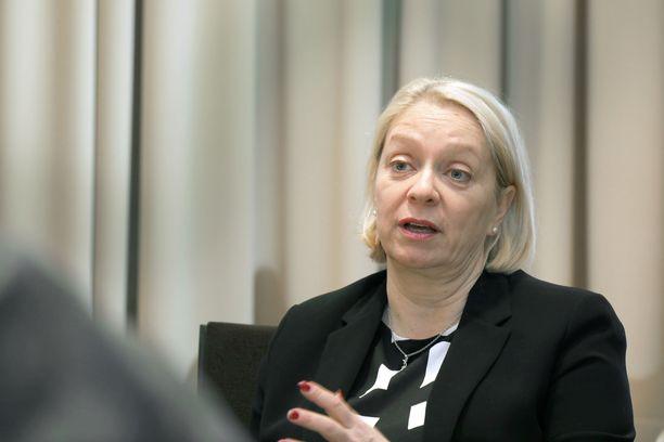 Suomen Pankin Marja Nykänen sanoo, että suomalaisten ennätysvelka muodostaa uhan koko taloudelle.