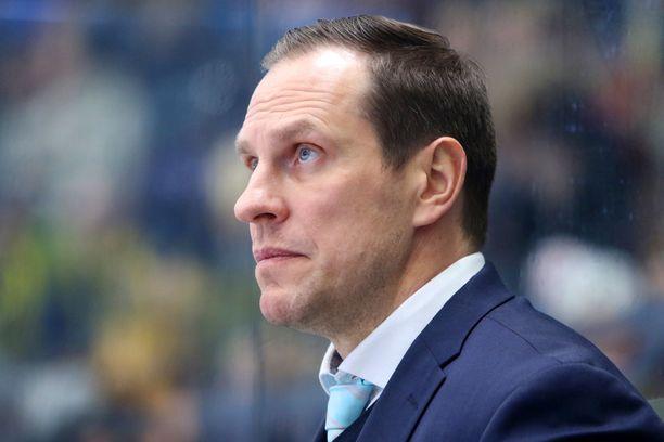 Ville Nieminen hääri Pelicansin peräsimessä puolitoista kautta.
