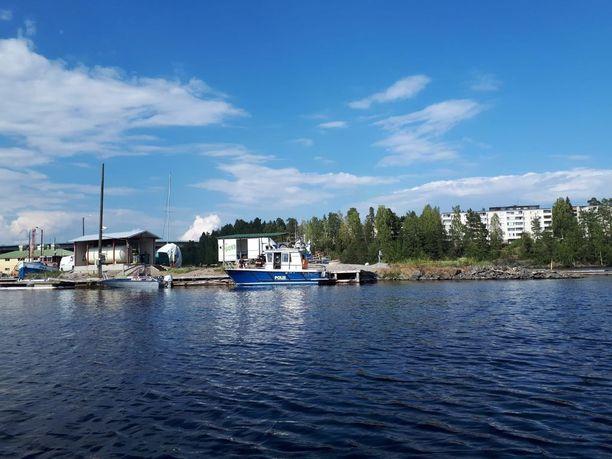 Laitaatsalmi on yksi Savonlinnan kolmesta salmesta.