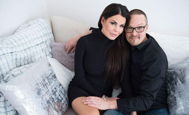Suvi Pitkänen ja Marko Somppi saavat ensimmäisen yhteisen lapsensa.