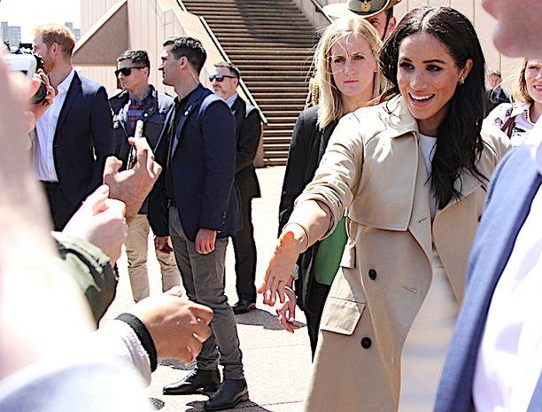 Herttuatar Meghanin päätös palkata salainen asiantuntijatiimi huolestuttaa brittihovia, kertoo The Sun. Kuvassa herttuatar Australian Sydneyssä lokakuussa 2018.