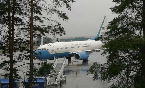 Yhdysvaltain hallinnon lentokone on vierailulla Turussa.