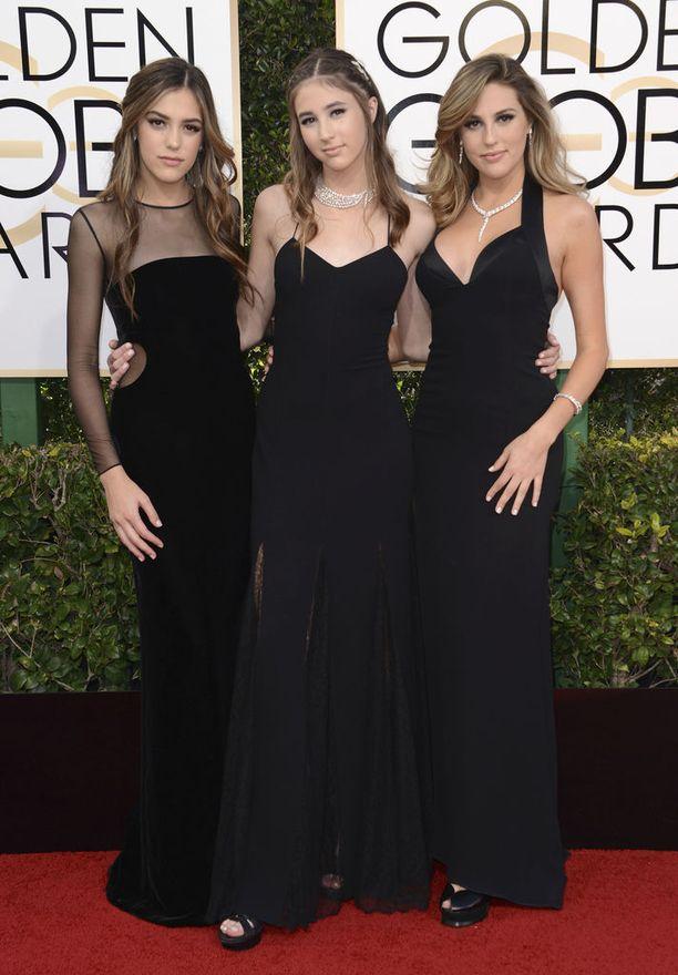 Stallonen sisarukset mustissa viime vuoden Golden Globe -gaalassa.