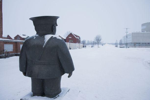 Oulussa huolestuttiin vähäisistä testimääristä ja jopa tartuntojen piilottelusta. Arkistokuva torilta.