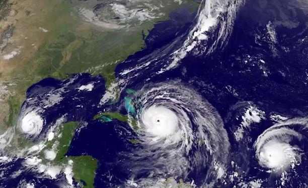 NASA:n lauantaina aamulla ottama kuva. Keskellä hurrikaani Irma.