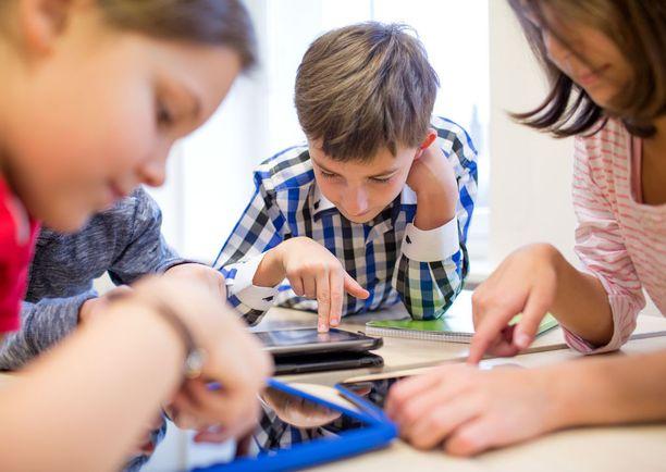 Professori Andre Souranderin mukaan koulunaloitukseen tarvitaan nykyistä suurempaa joustoa ja yksilöllisyyttä silloin, kun lapsi arvioidaan ikätovereitaan kypsymättömämmäksi.