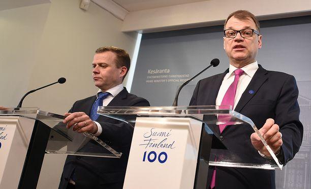 """Sipilä ja Orpo valottavat """"ajankohtaisia hallituskysymyksiä"""" Kesärannassa kello 17."""