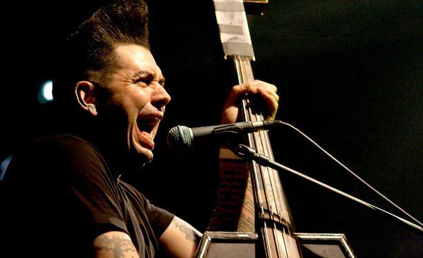 Nekromantixin keulakuva Kim Nekroman. Tanskalais-amerikkalainen yhtye on perustettu vuonna 1989. Kuva vuodelta 2010.