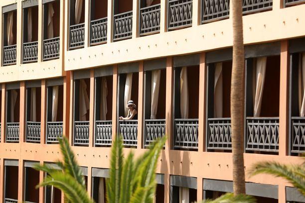 Hotelli Costa Adeje Palacen vieraat joutuivat karanteeniin koronaviruksen takia.