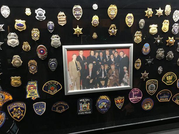 Elvis keräili monia erikoisia asioita, muun muassa poliisien virkamerkkejä.