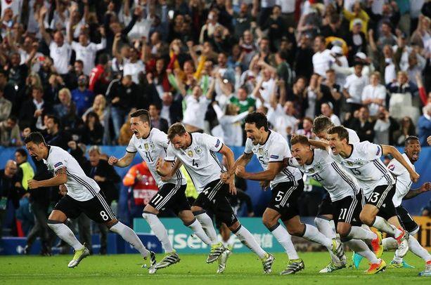 Saksa on juuri voittanut Italian puolivälierissä. Tie Euroopan mestaruuteen on auki.