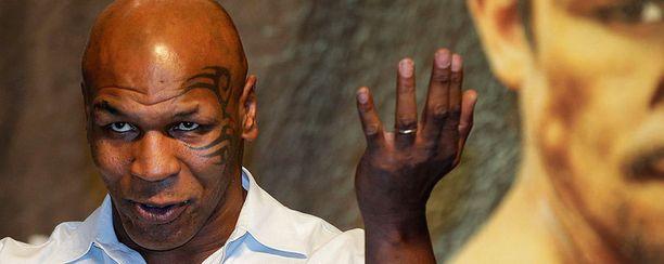 Ex-nyrkkeilijä Mike Tyson on tatuoinut kasvonsakin.
