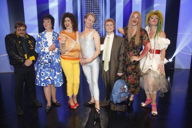 Iltalehden lukijat äänestivät suosikikseen Jenni Kokanderin esittämän Irma Rönkön, toinen vasemmalta.