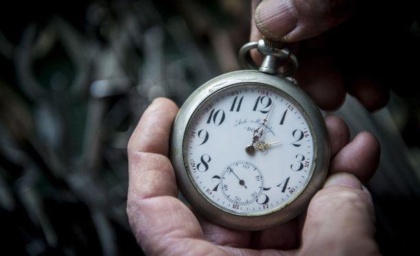 Muutoksen myötä kelloja ei enää tarvitsisi kääntää.