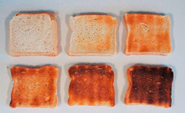 Leivän voi paahtaa joko tummaksi tai jättää vaaleaksi.