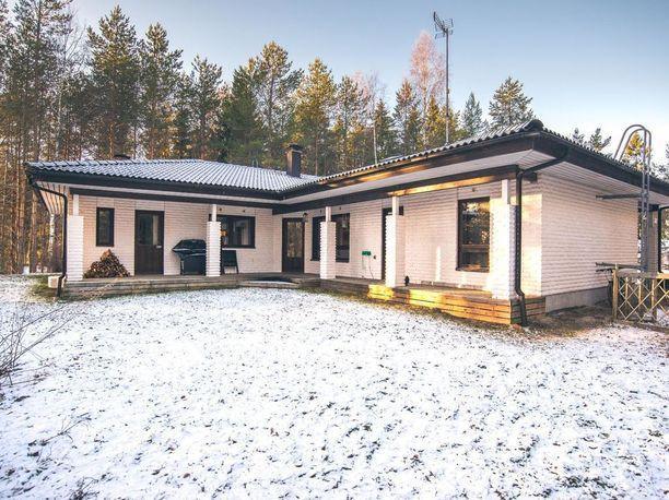 Asunto sijaitsee Lohjalla.