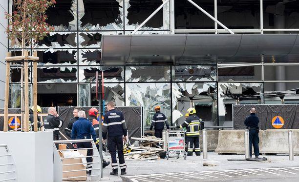 Myös Brysselin terrori-iskujen jälkeen Brysselin kansainvälisellä lentokentältä löytyi Kalashnikov. Lentokentällä kuultiin kahden räjähdyksen lisäksi myös ampumista.