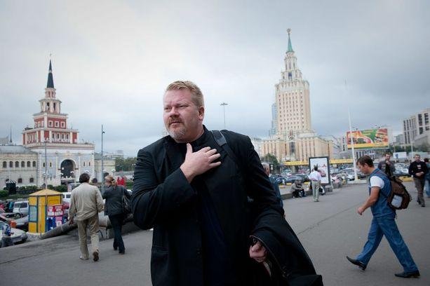 Johan Bäckman asuu edelleen virallisesti Suomessa, vaikka toimiikin paljon Venäjältä käsin. Kuva vuodelta 2010 Moskovassa.